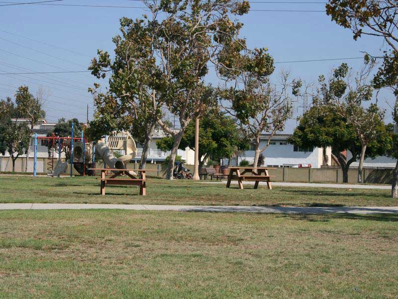 Huntington Beach Parks And Recreation Facilities